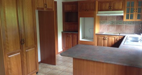 Brushbox used complete kitchen for sale