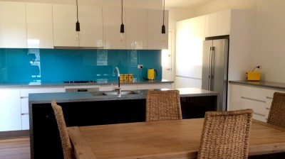kitrchen bench tops custom cupboards